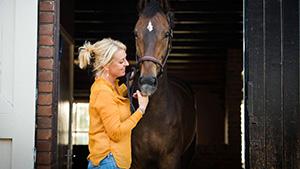 Coachen met paarden voor spring- en dressuurruiters - Eleonore EQuus